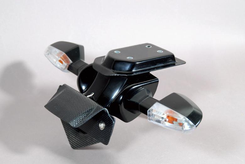 バイク用品 外装MAGICAL RACING マジカルレーシング フェンダーレスキット FRP黒1部ヒラオリ Z1000 10001-Z10010-911C 4548916206940取寄品 セール