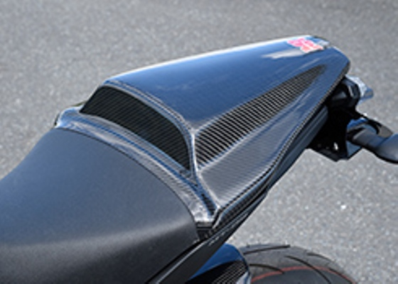 バイク用品 外装MAGICAL RACING マジカルレーシング タンデムシートカバー FRP 黒 MT-09 14-001-MT0914-3901 4548916296323取寄品 セール