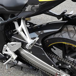 バイク用品 外装MAGICAL RACING マジカルレーシング リアフェンダー 綾織カーボン CBR250RR 17-001-CBR217-500A 4549950297864取寄品 セール