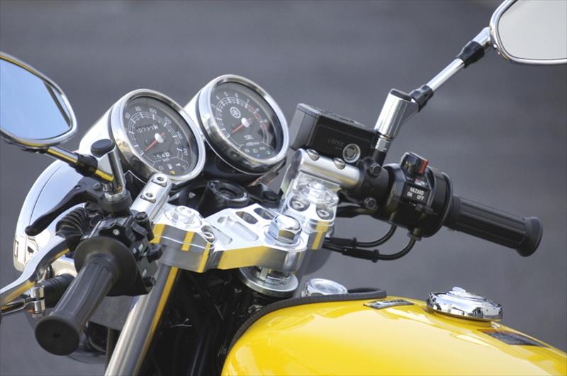 バイク用品 ハンドルオーヴァーレーシング OVERRACING スポーツライディングハンドルキット SLV SR400 (FI)55-401-12 4539770116117取寄品 セール