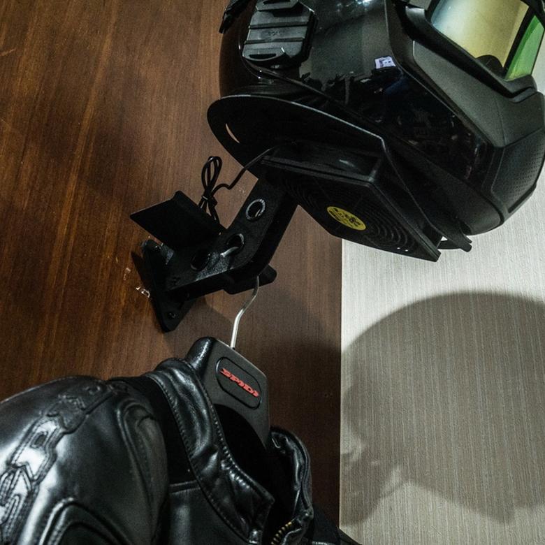 HUCK壁掛けヘルメットリフレッシュラックUSB送風ファン付きH302F-G1-G3【HU+CK】アイアンヘルメットラックIRONHELMETRACK
