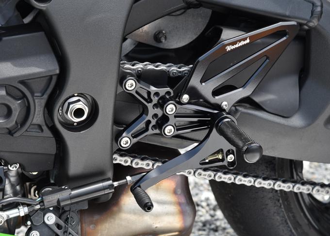 バイク用品 ステップ ステップ&ステップボード&タンデムキットウッドストック WOODSTOCK バックステップキット 5POS BLK ZX-10R 16WBS-K34-BB 4548916874224取寄品 スーパーセール
