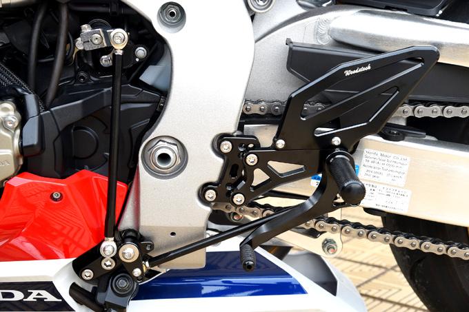 バイク用品 ステップ ステップ&ステップボード&タンデムキットウッドストック WOODSTOCK バックステップキット 4POS BLK CBR1000RR 17WBS-H13-BB 4549950515142取寄品 スーパーセール