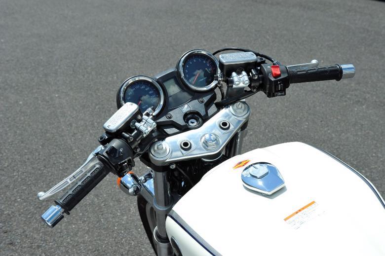 バイク用品 ハンドルヤマモトレーシング YAMAMOTORACING セパレートハンドル CB1100 10-00017-02 4521717005103取寄品