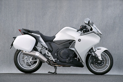 バイク用品 マフラーヤマモトレーシング YAMAMOTORACING SPEC-A S O TYPE-SS DOWN VFR1200F 10-11201-01NSN 4521717005189取寄品 スーパーセール