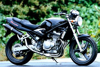 バイク用品 マフラーヤマモトレーシング YAMAMOTORACING スリップオン カーボンサイレンサー BANDIT250 95-30252-01NCB 4521717200003取寄品 スーパーセール