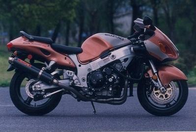 バイク用品 マフラーヤマモトレーシング YAMAMOTORACING チタン4-2-1-2 カーボンサイレンサー GSX1300R -0531300-42TCN 4521717200409取寄品