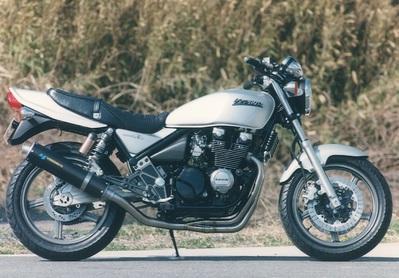 バイク用品 マフラーヤマモトレーシング YAMAMOTORACING ステン4-1 カーボンサイレンサー ZEPHYR400 x40400-11SCB 4521717300048取寄品