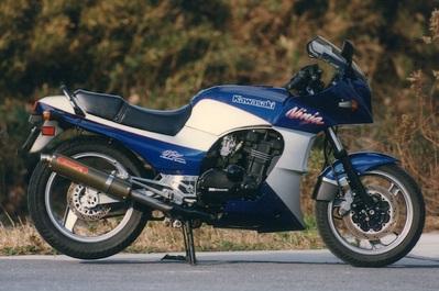 バイク用品 マフラーヤマモトレーシング YAMAMOTORACING スリップオン カーボンサイレンサー2ホンダシ GPZ900R40900-02NCB 4521717300147取寄品 スーパーセール