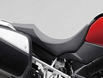 【スズキ】【SUZUKI】【V-Strom1000ABS 2014年モデル】ローシート【45100-31J50-AR8】