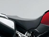 【スズキ】【SUZUKI】【V-Strom1000ABS 2014年モデル】ハイシート【45100-31J60-AR8】