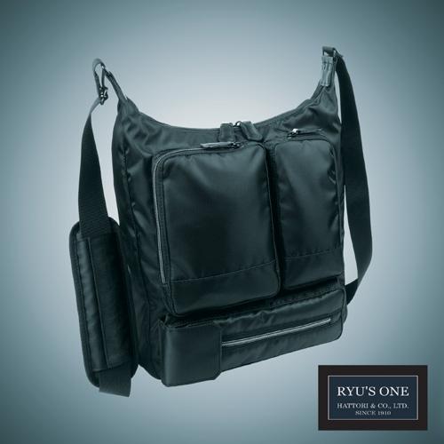 RYU'S ONE 多機能 ショルダーバッグ A4対応 NEW ブラック 102495 リューズワン AD ネイビー メーカー在庫限り品 ビジネスバッグ