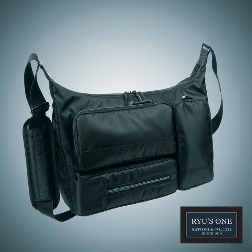 新品未使用正規品 RYU'S ONE 多機能 ショルダーバッグ A4対応 ブラック ネイビー 102496 AD 通販 激安 ビジネスバッグ リューズワン