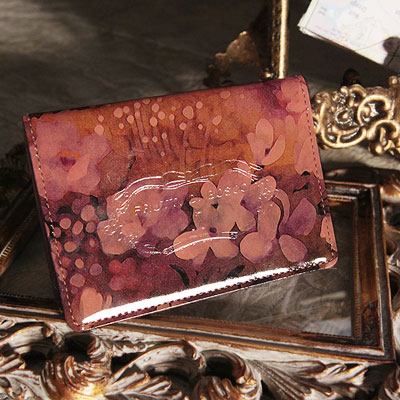【FRUTTI】絵画のようなレザーで仕立てるパスケースViaggio Alice (ヴィアッジョ アリス)定期入れ ピンク エナメル FRUTTI DI BOSCO フルッティ ディ ボスコ