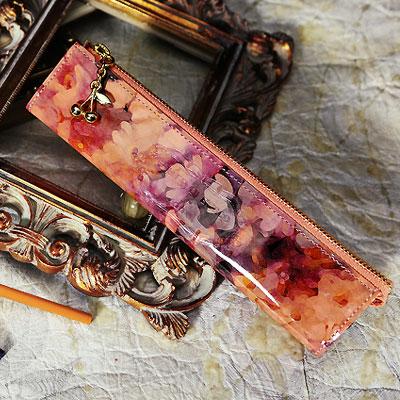 【FRUTTI】絵画のようなレザーで仕立てるペンケースMatita Alice(マティータ アリス) 筆箱 ステーショナリー ピンク エナメル 花柄 FRUTTI DI BOSCO フルッティ ディ ボスコ 356-1136-22-8054
