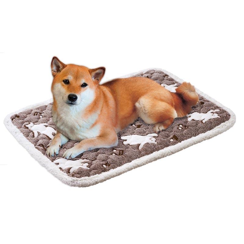 幼犬や老犬にやさしい段差のないベッド ケージの部分使い用冬用マット マルカン 犬 猫 冬 保温 おどるしろくまさんのもこふわ温熱マット M マット 驚きの値段で 手洗い 温活 数量は多