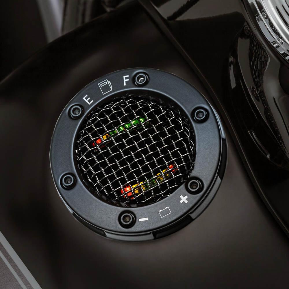 Kuryakyn メッシュ LEDフューエル、バッテリーゲージ ブラック