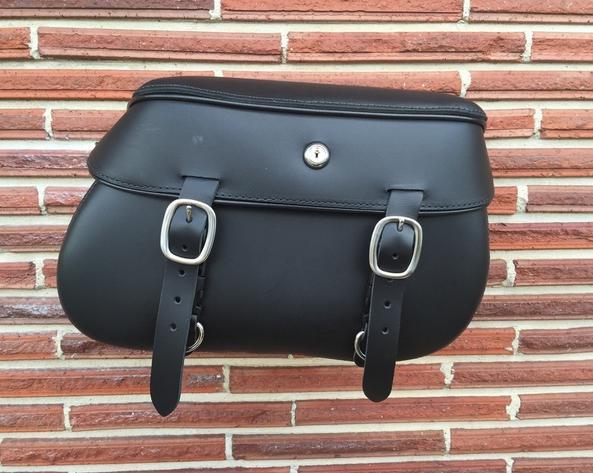 【Leather Pros】本革サドルバッグ BLS2800 ソフテイルFXS,FLS用