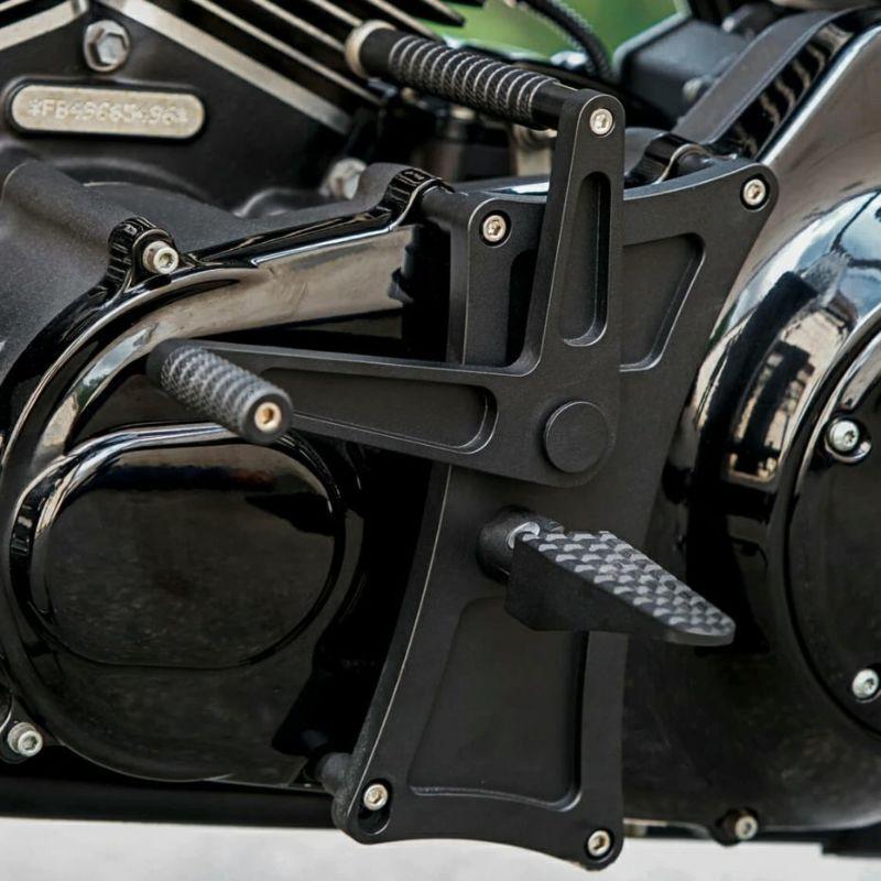 【エピックモト】トリプルX ミッドコントロールキット ブラック 1999~2016 ツーリング EM0030