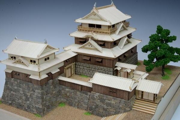 【限定クーポン】【送料無料】木製建築模型 1/150 松山城