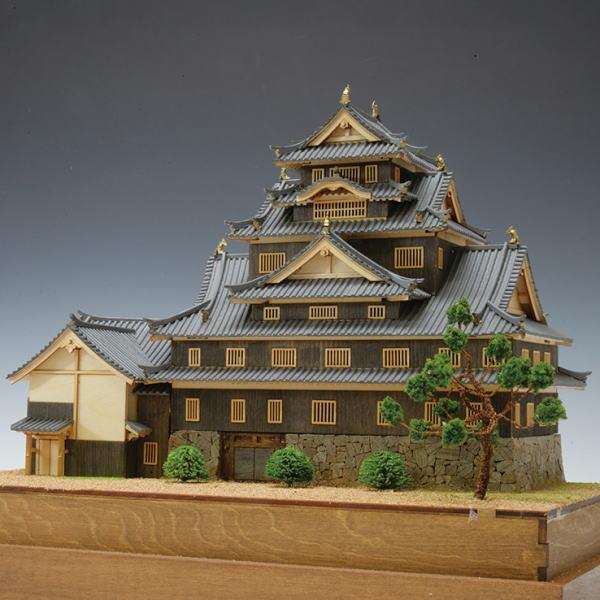 【限定クーポン】【直送品】【代引き不可】【送料無料】木製建築模型 1/150 岡山城