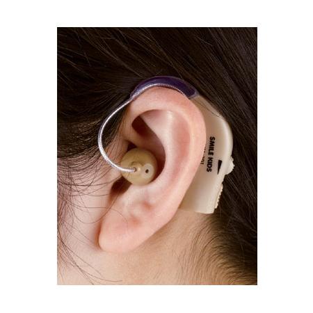 左右両耳対応の耳かけ型集音器 充電式 耳かけ集音器 AKA-201 充電式集音器 耳かけ式 集音器 軽量 充電式集音機 両親 プレゼント 敬老の日 母の日 未使用品 介護 父の日 集音機 35%OFF グッズ