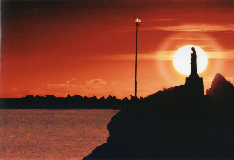 【代引き不可】秋元隆良 奇跡の写真 夕陽のマリア像 開運 幸運 画像 写真 開運グッズ 開運フォト 開運写真 縁起物 グッズ