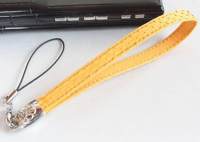 価格交渉OK送料無料 風水ラッキーカラーの黄色 蛇革パワーで金運ダブルアップ 国内縫製 蛇革携帯ストラップ 高品質新品 黄