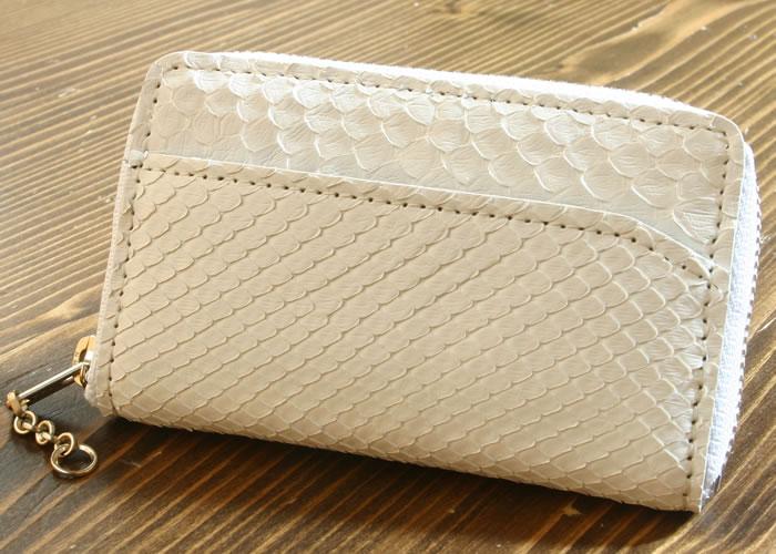 世界の人気ブランド 国内縫製 蛇革小銭入れ角タイプ 白 新作多数