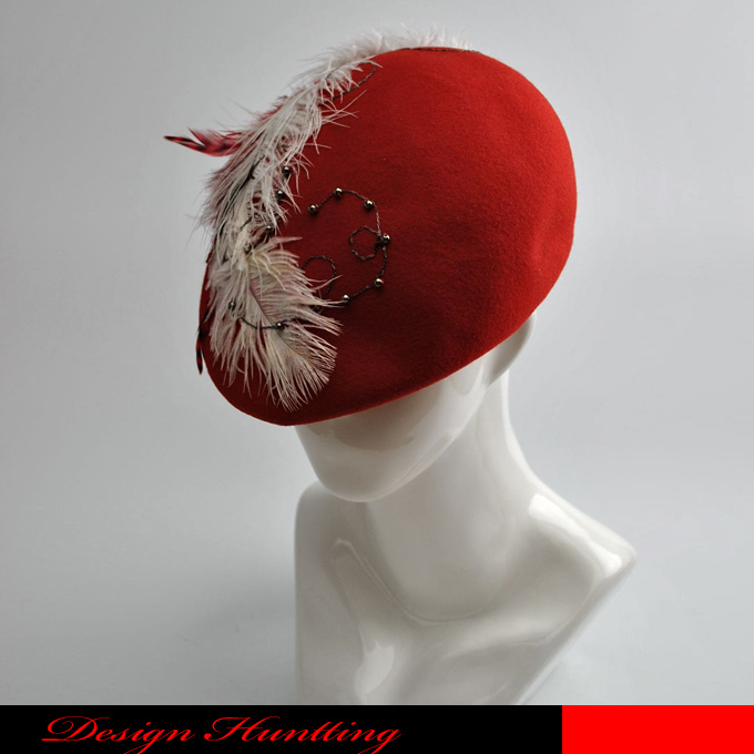 【送料無料】舞う風をデザインしたレッドフェルトプロムナードハンチング☆羽/フェザー/個性的/一点物/ゴージャス/豪華/舞台