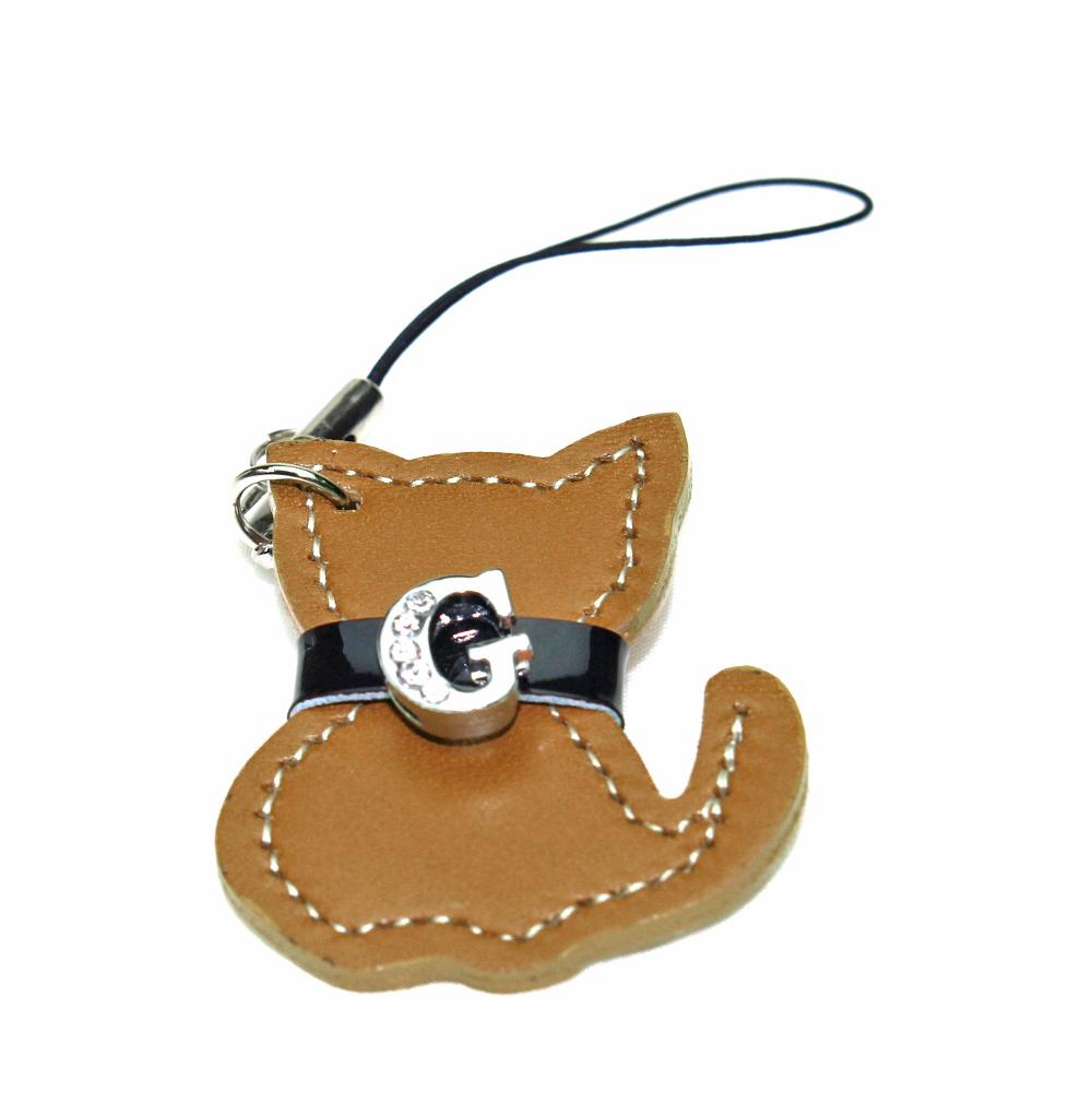 割引も実施中 とっても可愛い猫のモチーフモチーフにイニシャルをお付けします 定形外郵便限定 送料無料キラキラ 2020 新作 ネコ レザー チャーム 特別価格 日本製 牛革自社工場直販 イニシャル