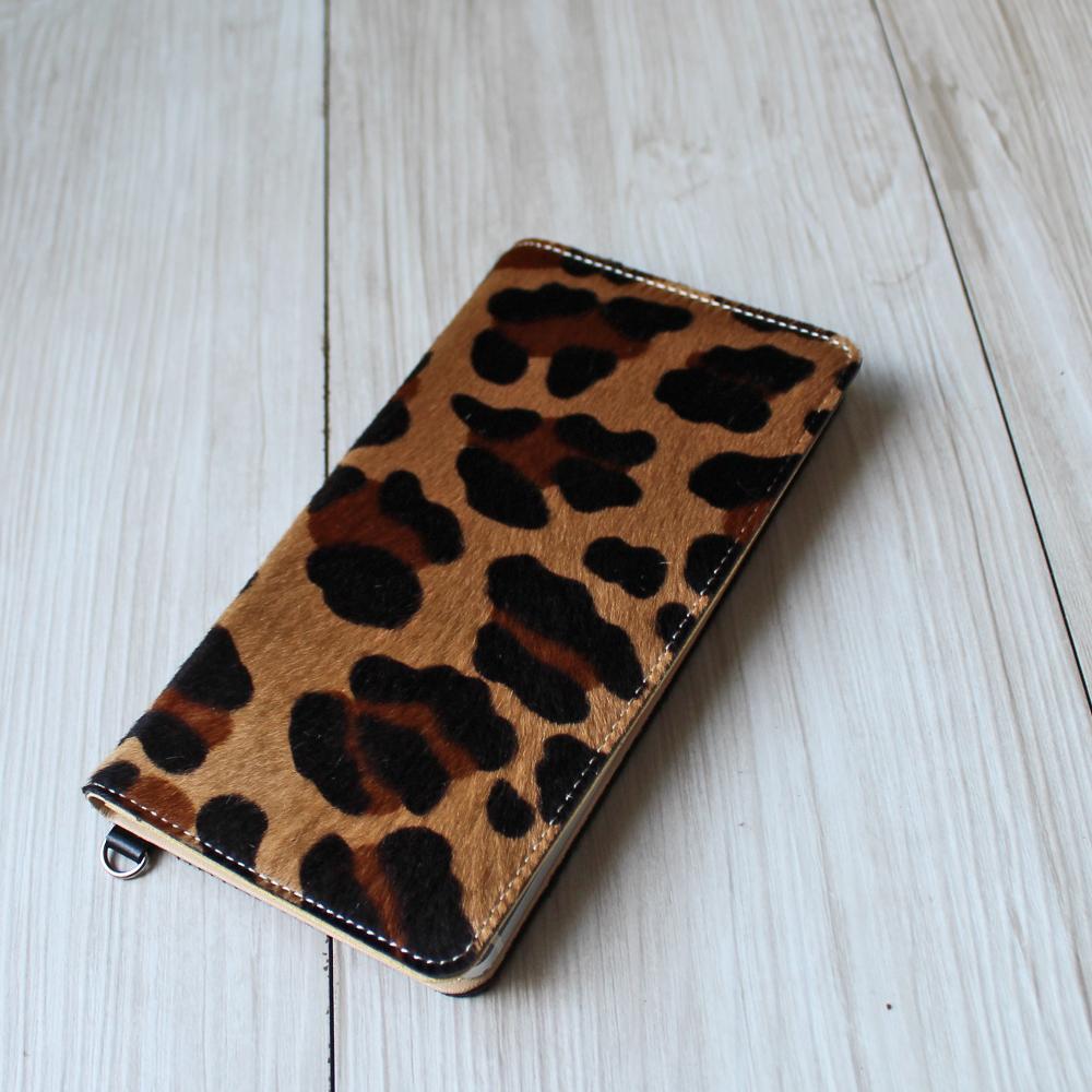 送料無料iPhone XSMax XR X XS 8Plus 6Plus 6sPlus 7Plus 対応牛革スマホケース 手帳型 革 アニマル柄キャメル スマートフォンケース 日本製