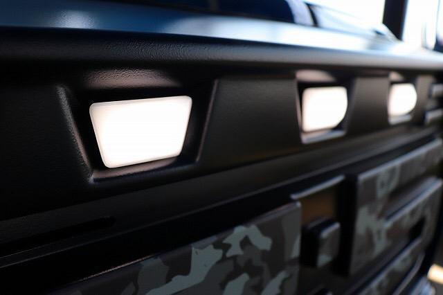 デリカD:5専用ボディパーツ WARLOCK ワーロック フロントグリル専用 LEDランプ