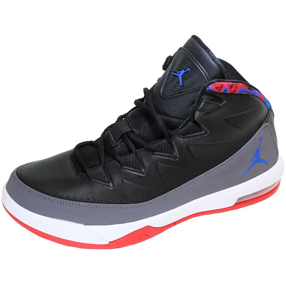 【並行輸入品】ナイキ メンズ スニーカー エア ジョーダン デラックス バスケットボール シューズ Nike Jordan Air Deluxe Basketball Shoe 807717-035 (ブラック) 【 靴 NIKE 】