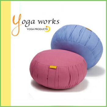 あす楽 ピラティス 海外輸入 ストレッチに最適なヨガクッション ヨガワークス ヨガザブ クッション 返品不可 座布団 補助 サポートグッズ ヨガザフ yogaworks 50914 ヨガ まとめ割チケットY対象 FA works《YW-E433》 プロップス ヨガプロップ RVPB : Yoga