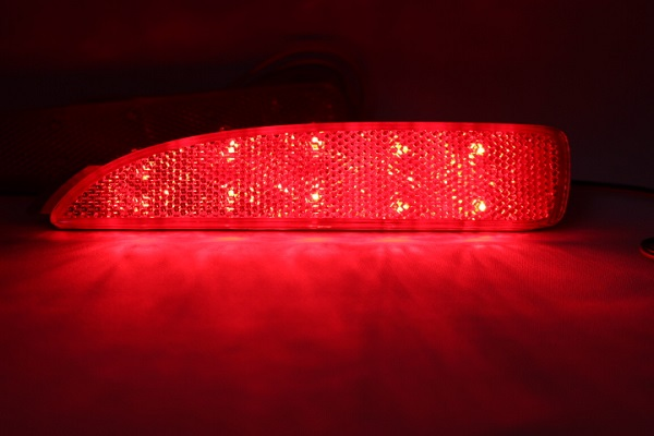 光ってなければ純正品 光れば明るく綺麗 拘りの加工法で長寿命 光るリフレクターならひからせ屋製純正加工品で決まり 1年保証 無段階減光調整 信憑 プレマシー CR3W CREW スイッチ付で即純正復帰 セットアップ 純正加工LEDリフレクターランプ