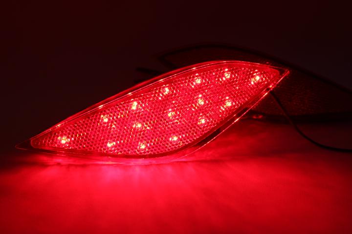 光ってなければ純正品 光れば明るく綺麗 拘りの加工法で長寿命 光るリフレクターならひからせ屋製純正加工品で決まり 1年保証 無段階減光調整 好評受付中 スイッチ付で即純正復帰 後期用 ZVW55 純正加工LEDリフレクターランプ プリウス ※アウトレット品 ZVW50 ZVW51 50系