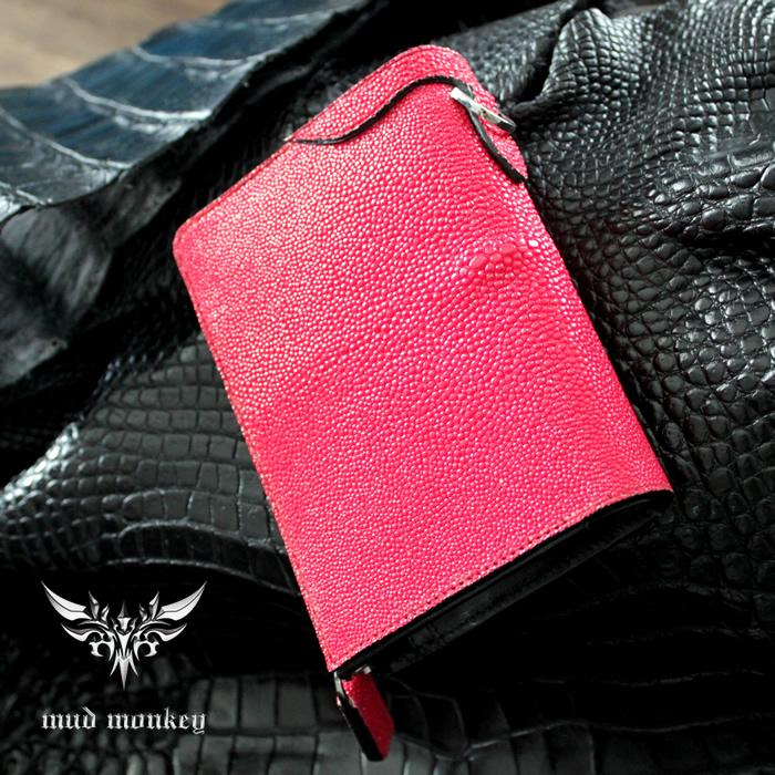 バイカーズウォレット ファスナー財布 スティングレイハーフ/レッドINSIDE Black