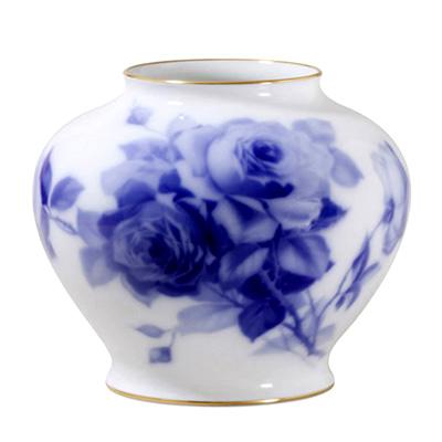 皇室御用達 大倉陶園 日本製 ブルーローズ 20m花瓶 【ギフト 出産内祝 結婚内祝 結婚式引出物 快気祝 法事引出物 香典返し お返し 各種内祝 引出物 景品】