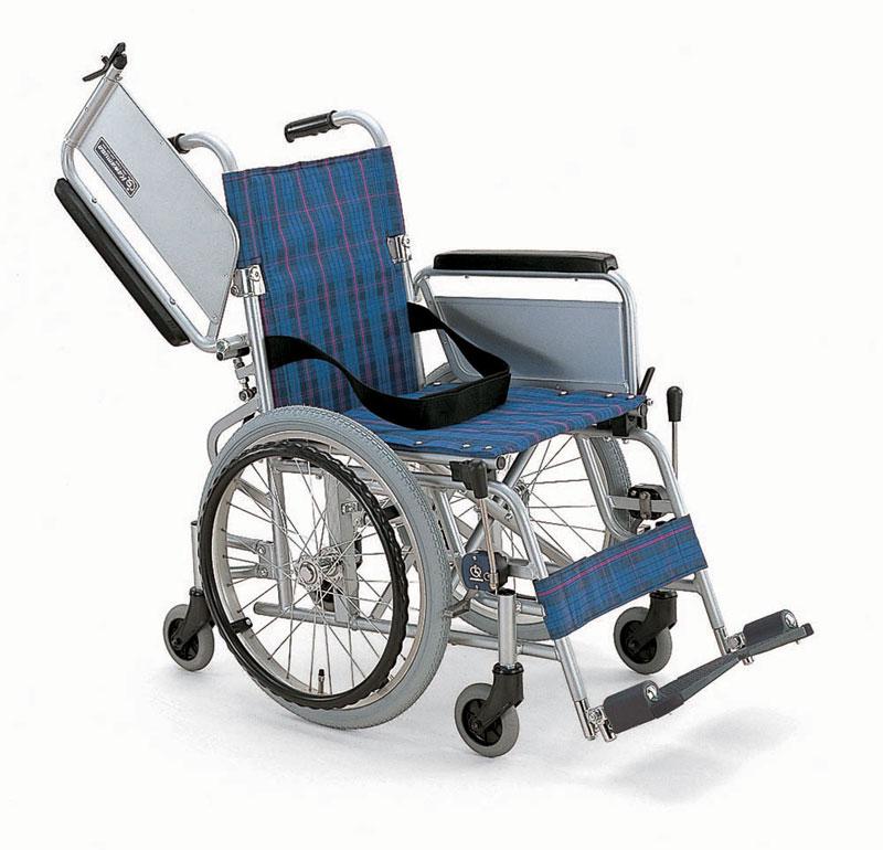 カワムラサイクル社製KAK18-40アルミ製自走用車椅子こまわりくん六輪車