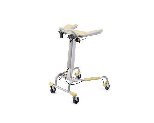 パラマウントベッド製歩行補助器(後輪は固定されており向きは変わりません)(ブレーキ付)KA-392