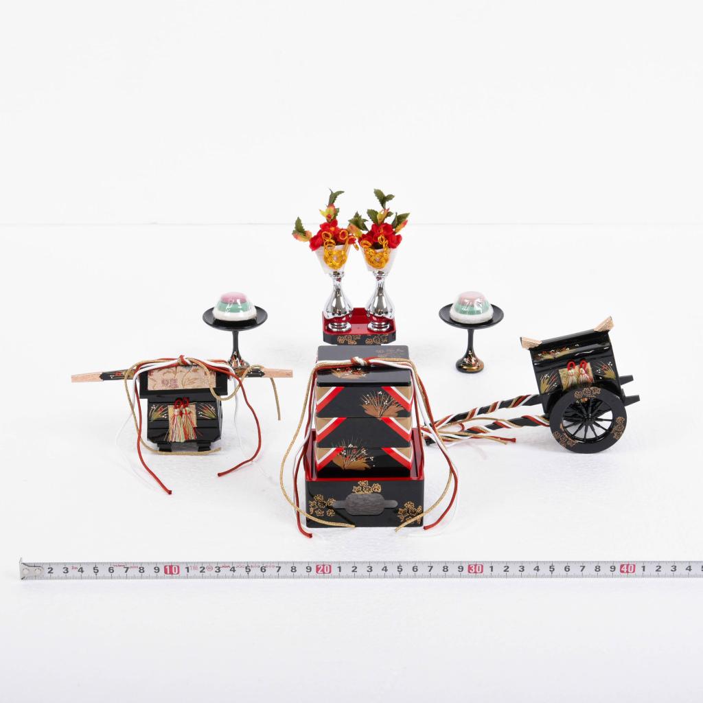 雛人形 お道具単品 ひなお道具5点セット 唐草 プラスチック製 25号【送料無料】【展示特価品】