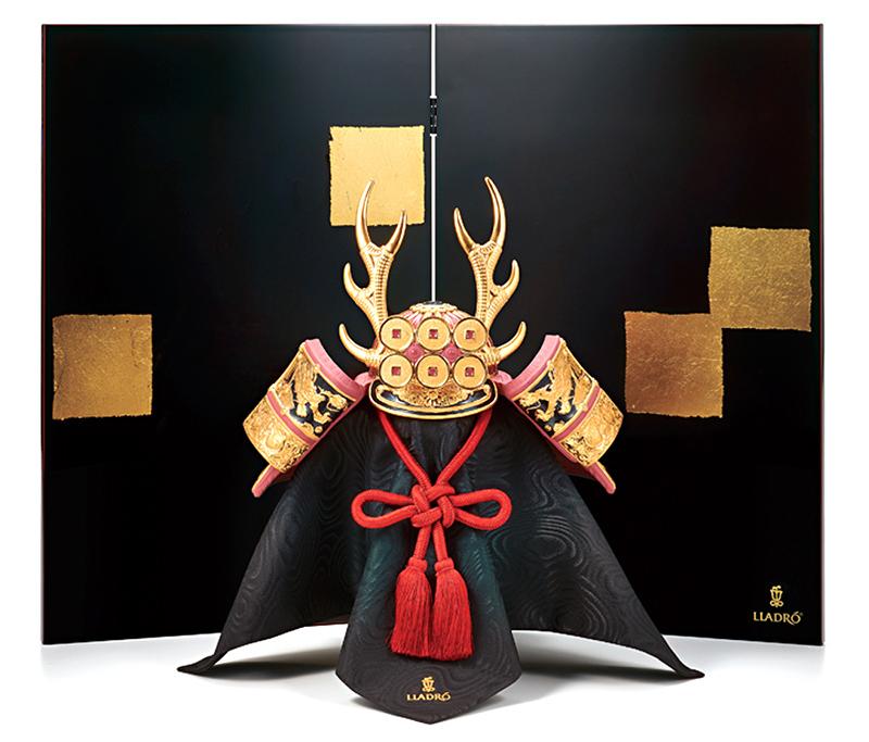 リヤドロ 五月人形 兜平飾り 兜飾り Lladro 磁器人形 兜 Red 袱紗 バックボード付 【2019年度新作】 h315-01013048-fs