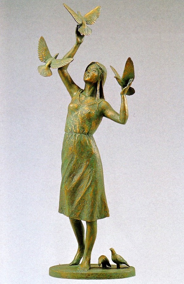 丸山幸一作品 鳩と少女 洋風置物 丸山幸一作品 高岡銅器