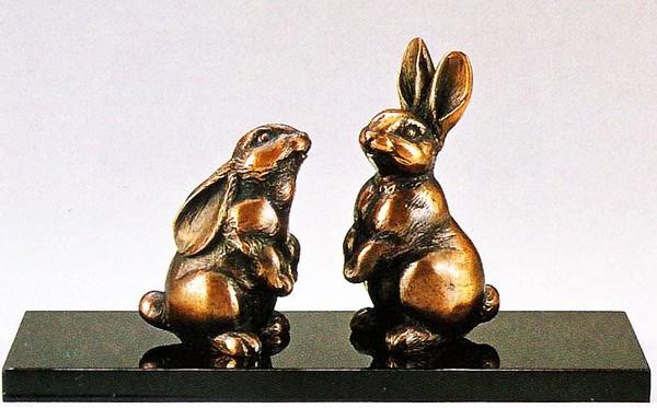 縁起の良い置物 兎の置物/愛情 憲治作品 塗板・化粧箱付 高岡銅器