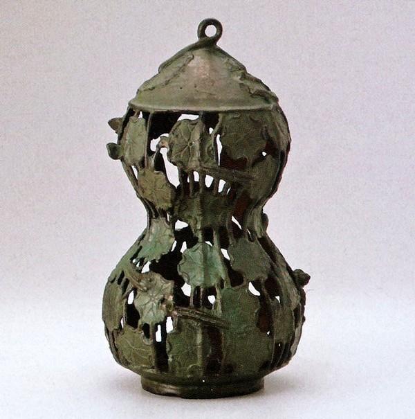 高岡銅器の庭置物 吊るし灯籠/瓢箪型蓮灯籠 クサリ付/美術工芸通販