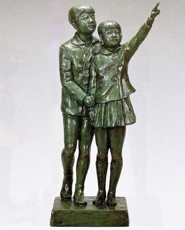 大型ブロンズ像/友情 高岡銅器の大型ブロンズ像/送料無料