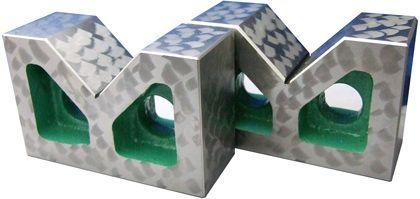 【メーカー在庫あり】 エスコ ESCO 200x140x100mm B型Vブロック(A級仕上) 000012079815 HD店