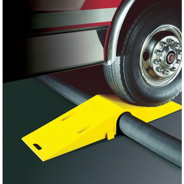 【メーカー在庫あり】 CHECKERS社 CHECKERS ホースブリッジ 大径用 タイヤ片輪のみ耐荷重 8,981KG UHB3035 HD