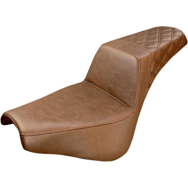 【USA在庫あり】 サドルメン Saddlemen SEAT STEP UP PASS LS BRWN 0802-0965 JP